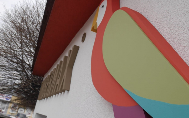 3D logo - Papagáj Timbermax