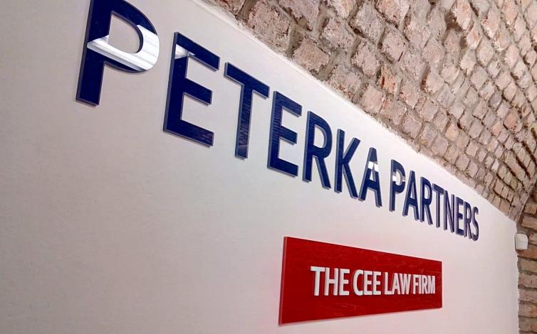 3D plexi - Peterka & Partners