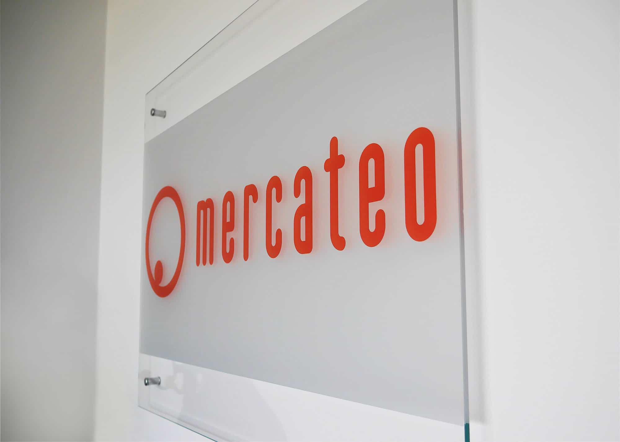 Reklamná tabuľa zo skla - Mercateo